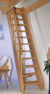 Ruimte besparende vaste trap top step for Houten vaste trap